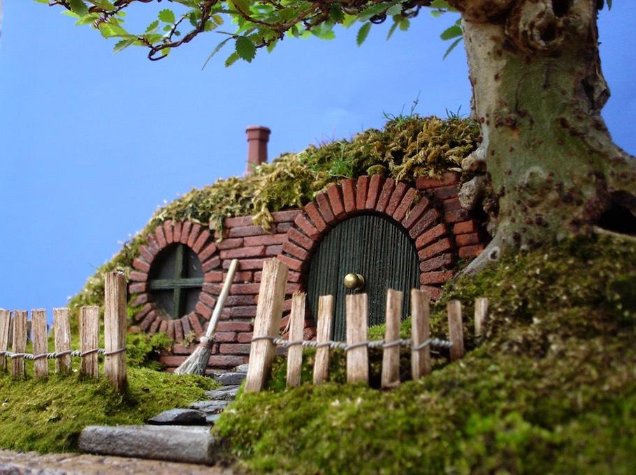 2-hobbiton-trayscape-2006